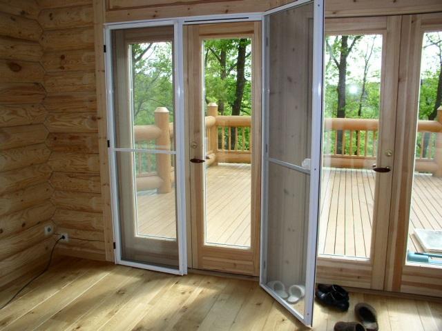 Москитная сетка на дверь недорого, купить москитную сетку на балкон, доступные цены на москитные сетки по Вашему размеру, производство и установка.